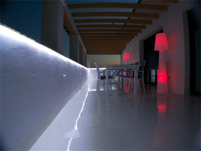 terraza microcemento blanco